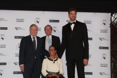 Photocall with Pau Gasol, Valentín Fuster and Teresa Perales